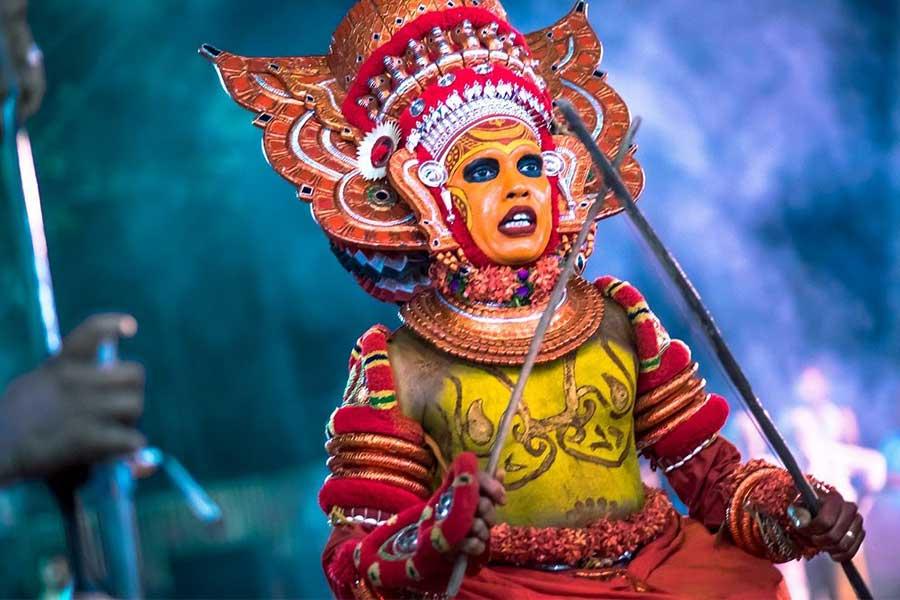 theyyam-art-kerala-thottada-beach-house
