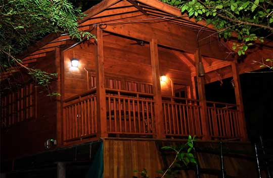 Thottada-Beach-House-Cottage-Night-View-home