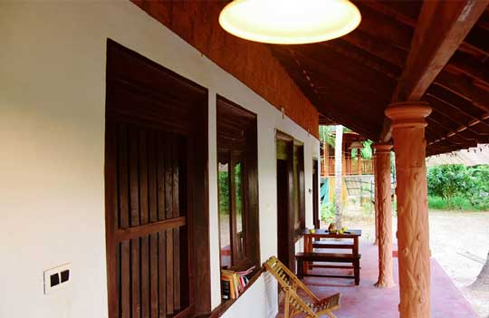 Traditional-Kerala-Village-Home-of-Thottada-Beach-House-home